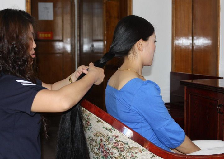 藏族长发姑娘美朗多吉-3图片