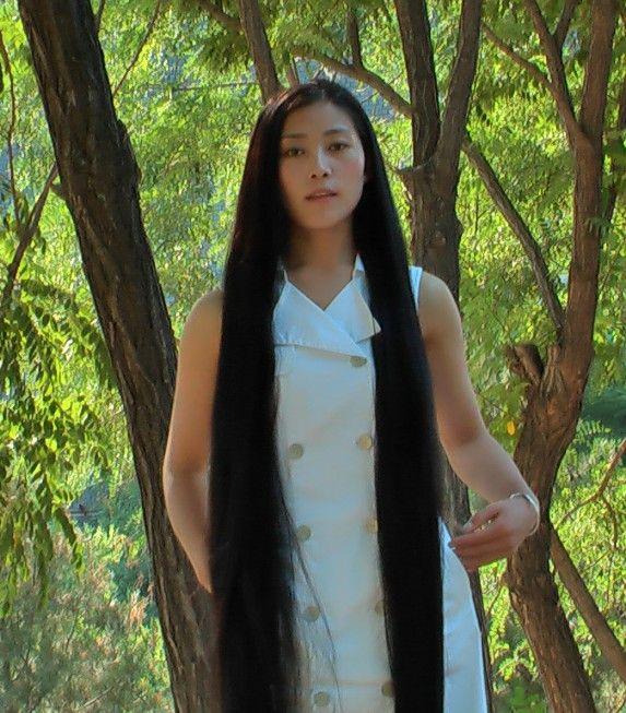藏族长发姑娘美朗多吉-2图片