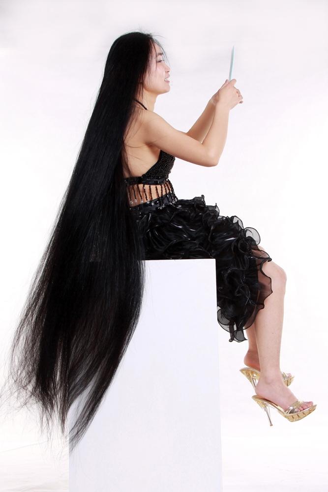 长发妹秀发拖地;;; 美妙的长发; 【长发姑娘】 - 作品交流 - 佳友在线图片