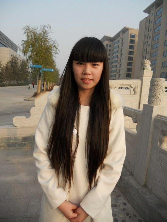 中国腰最细的美女; 北京女孩的及腰秀发;