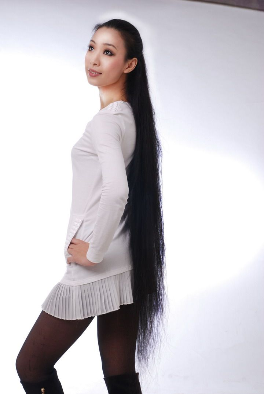 长发飘飘的美女 - [中国长发网]
