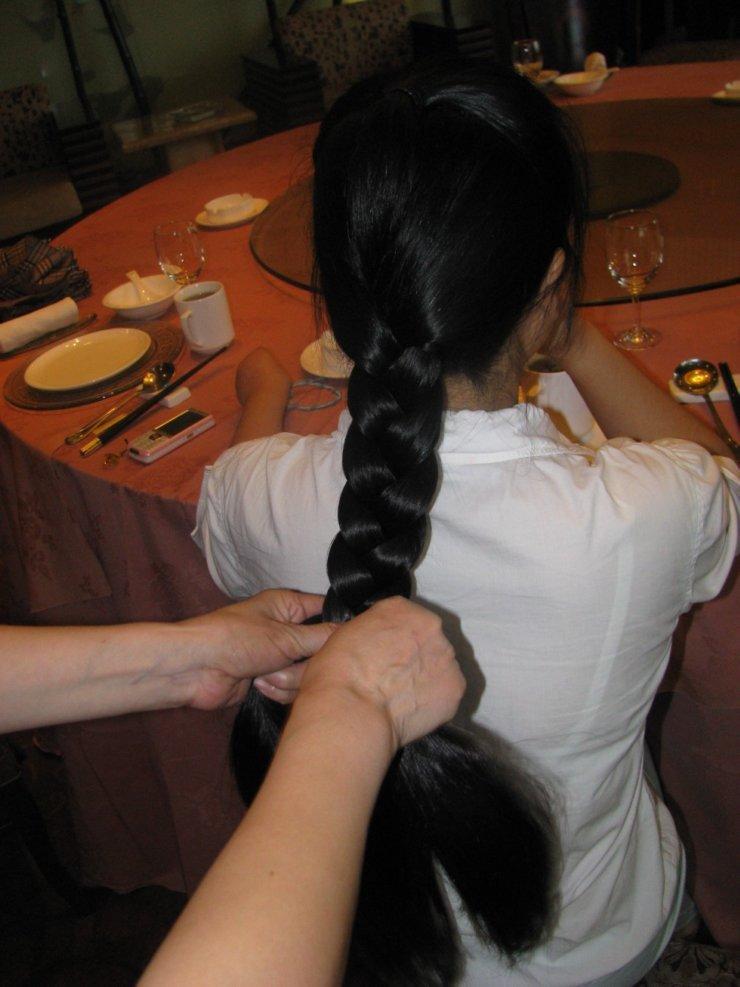 美女示范:各种范儿的长发大辫子; 影子宝贝的大辫子 漂亮吧 - [中国长图片