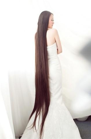 美丽的长发新娘晶晶图片