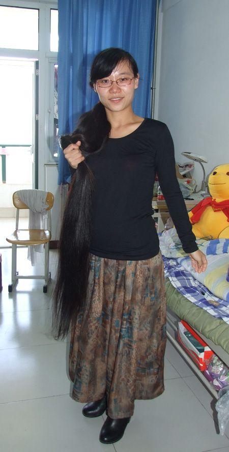 缅甸长发女:上下一样粗的及地大图片